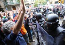 Imatges de càrregues policials el passat 1 d'octubre de 2017 FOTO.EL MON