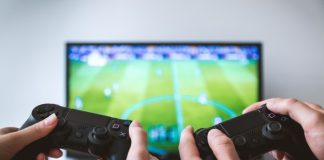 Jugant al FIFA 2019 amb la Playstation4