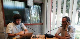 Joan Carles Batanés als estudis de Ràdio Sant Fruitós.